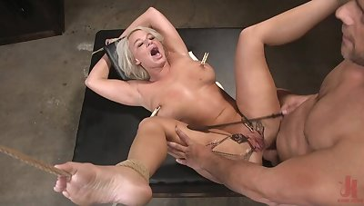 The Act as Party: Supremo Wife London Tributary Gets Anally Creampied