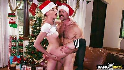 Santa Claus is cumming on Anny Aurora