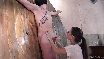 Sexual intercourse slave pleases MILF in femdom express