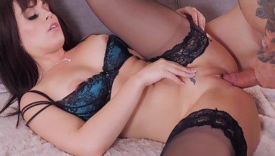 Australian Bubble Butt Coarse Sex Encounter With With Kiara Edwards Plus Alex Legend