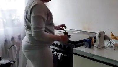 Arab housewife
