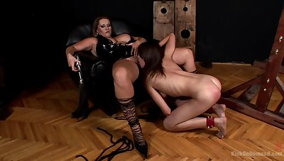MILF leaves the young slave girl to suck on her fat pussy