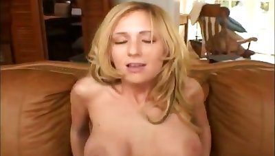 Hot babe take heavy juicy tits takes it up her butt and gets more slutty