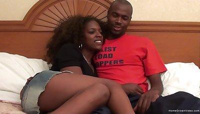 Jordan sucks her boyfriends got then gets licked and finally has her pussy stuffed!