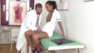 Be fond of leaves hot doctor to undress together with hump her tiny cunt