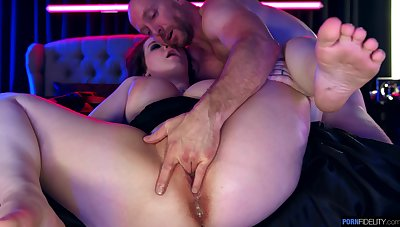Chubby woman endures in the same manner too authoritatively cock for her grow older