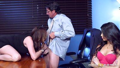 Office indiscretion for Veronica Rodriguez and Ariella Ferrera