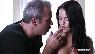 An old fart gets hither fuck a cute young woman and that babe has a splendid ass
