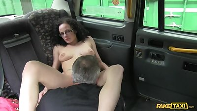 Crispy Haired Babe Wants To Be A Porn Star, Cabbie Helps Out