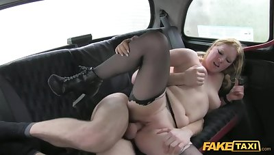 Beautiful Peaches Gets About At Fixture By Fucking Cabbie's Thick Load of shit